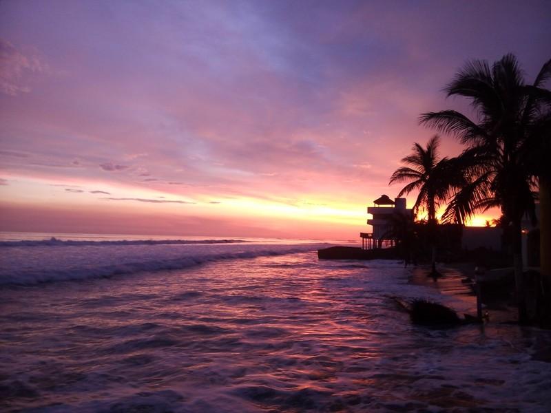 Sunset Las Glorias Aposento Alto